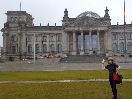 Vor dem Bundestag 2017